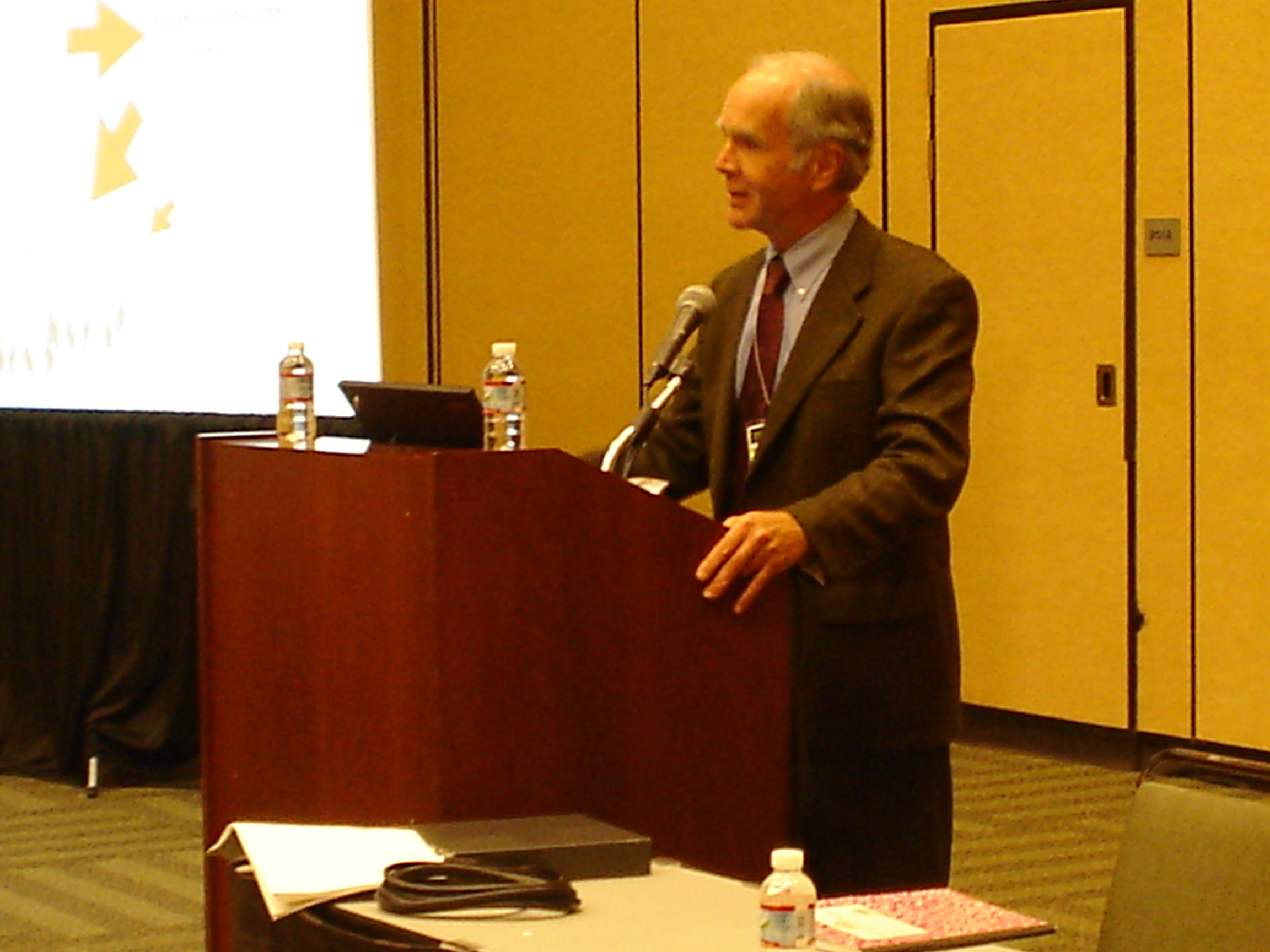 Dr. Ted Schettler speaks about healthy environments across generations at APHA